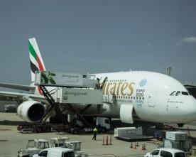 Met Emirates of KLM naar Dubai?