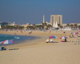 Duizenden mensen bestraft op stranden Dubai