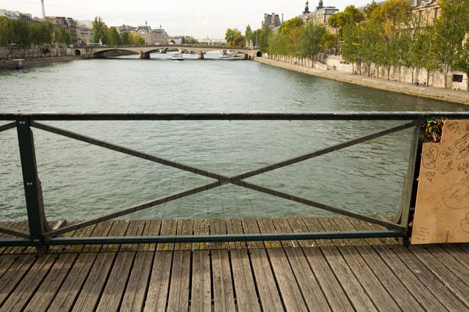 Parijs is liefdesslotjes beu