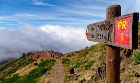 Op bergwandelvakantie? Met deze thuistrain-tips ga je goed voorbereid op pad!