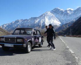Roadtrippen in een dertig jaar oude Lada door Georgië