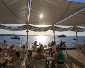 5 hotspots op Ibiza om tijdens je volgende vakantie te bezoeken